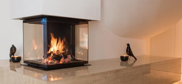 Ruegg Kamin the black firebox from rüegg magazine cheminée kamin ofen