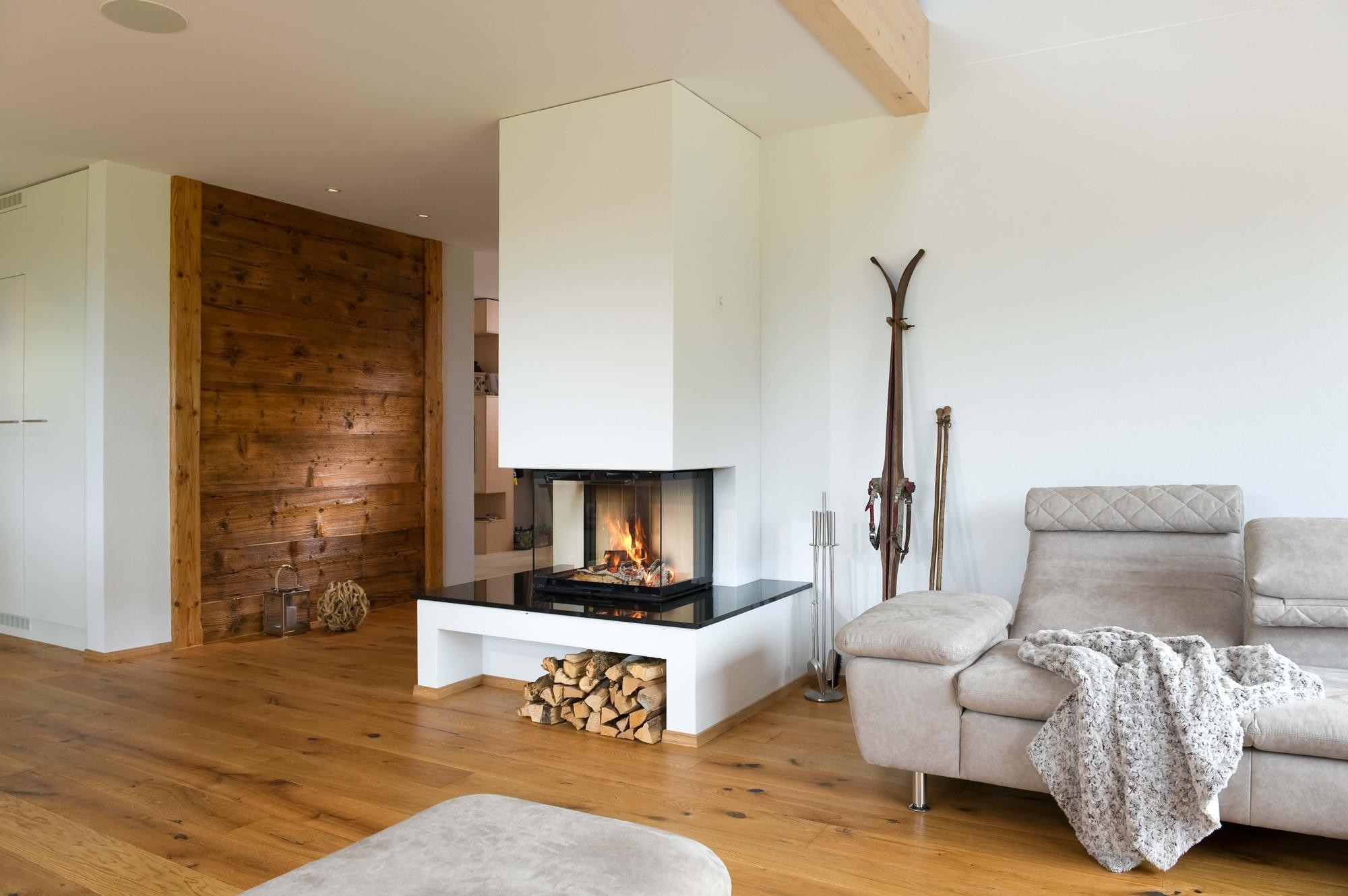fireplaces chemin e kamin ofen. Black Bedroom Furniture Sets. Home Design Ideas
